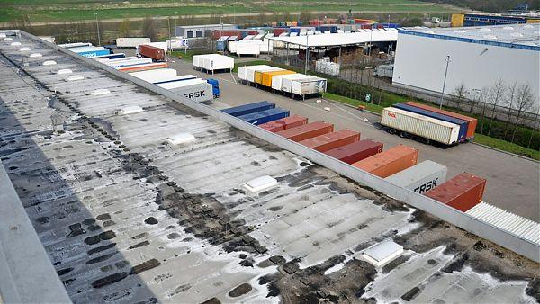 Rungedamm Zentrallager H&M, Hamburg - Kontrolle der Dachflächen 55.000 m²