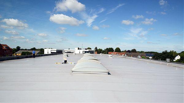 Beckhoff Automation, Verl (Ostwestfalen) - Planung und Baubegleitung der Dachsanierung 1.200 m²
